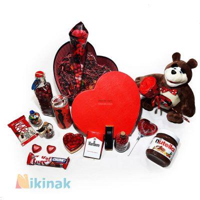 باکس کادوی ولنتاین همراه با عروسک خرس میشا