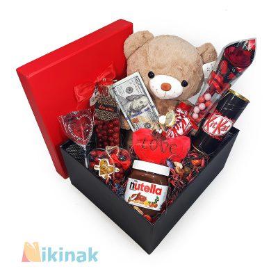 باکس کادوی ولنتاین همراه با عروسک خرس Love