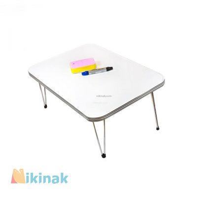 میز تحریر دارای پایه